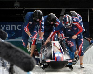 USA-1_in_heat_3_of_4_man_bobsleigh_at_2010_Winter_Olympics_2010-02-27