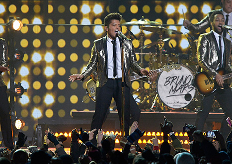 1391390683_bruno-mars-superbowl-halftime_1
