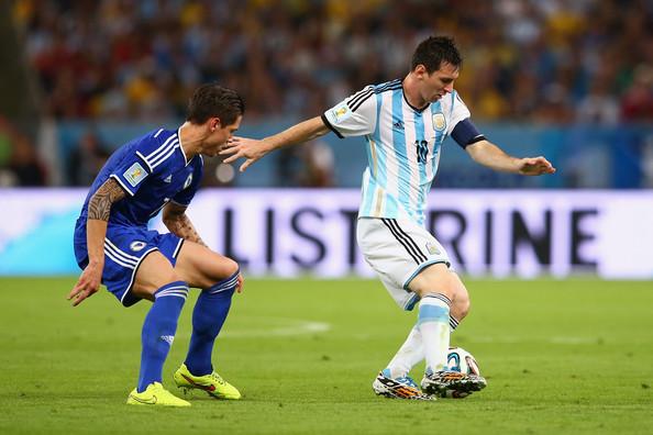 Lionel+Messi+Argentina+v+Bosnia+Herzegovina+QzzTSUU9JBsl